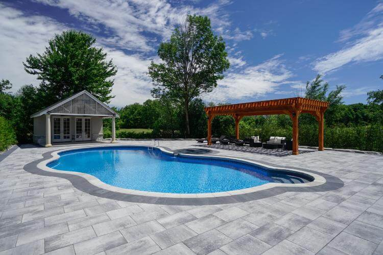 Custom Pool Decks Richmond Hill