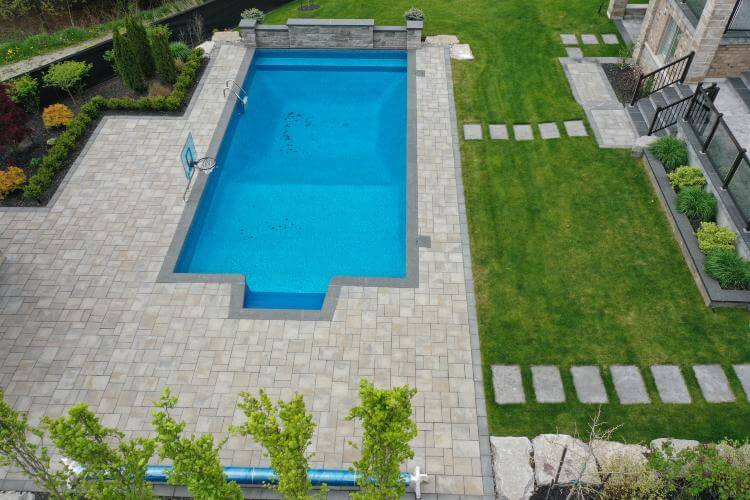 local pool contractor Downsview