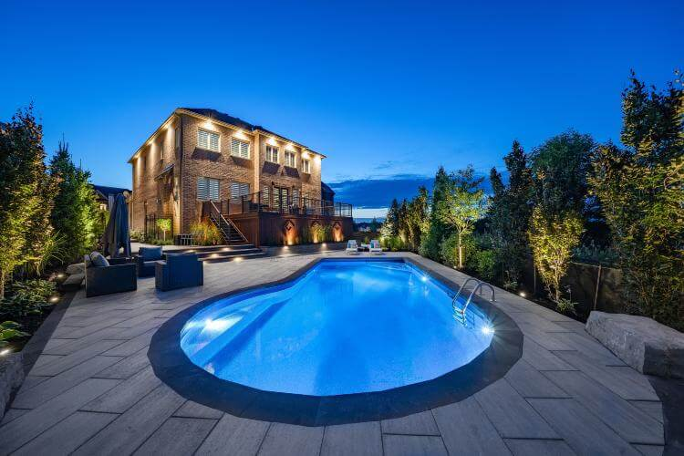 swimming pool builders prices Kleinburg